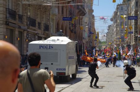 Tear gas used on Istiklİstiklâl Caddesi near Gezi Park, İstanbul. Photo by Alan Hilditch